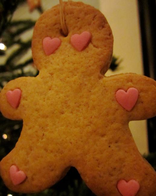 Sapin de Noël en Gingerbread men - biscuits bonhommes pain d'épices